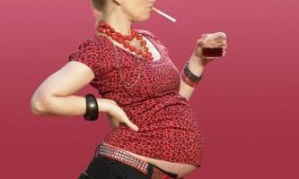 Як алкоголь на ранніх термінах вагітності впливає на дитину?