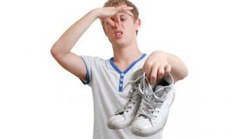 Що зробити, щоб взуття не смерділа?
