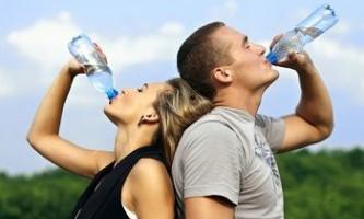 Чи може вода з льодом прискорити метаболізм?