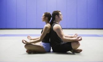 Чому краще медитувати разом з другом