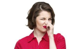Чому виникає і яке потрібне лікування при запаху з рота від шлунка?