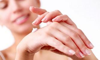 Підбираємо антивікової крем для рук інтенсивного догляду