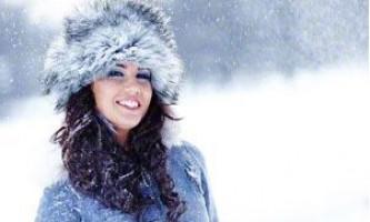 Правильна і дієва турбота про волосся взимку