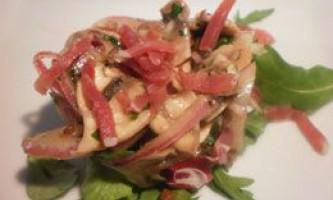 Салати з солоними грибами