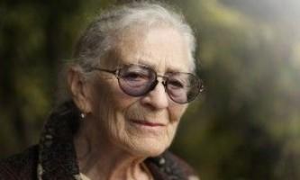 Вчені припускають: хвороба альцгеймера може передаватися від однієї людини до іншої