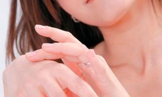 Відновлюємо в`ялу шкіру рук за допомогою омолоджуючих масок, приготованих будинку