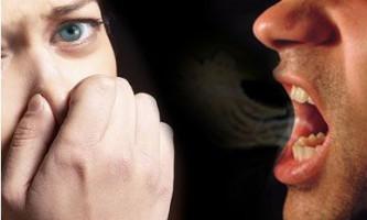 Запах з рота - причини неприємного явища